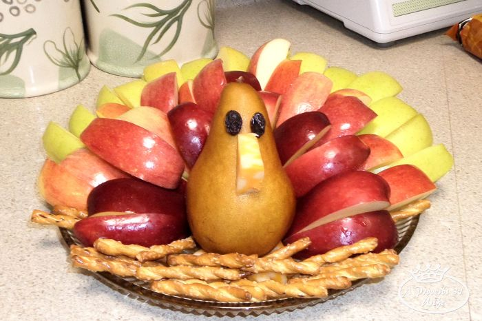 how to make a caramel apple fruit turkey