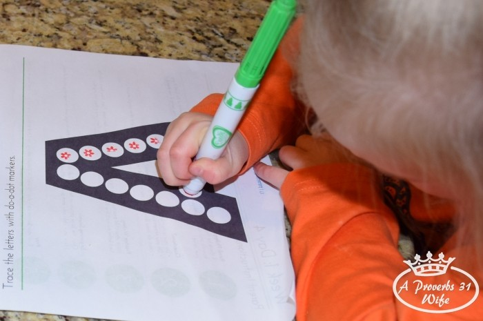 Dot-a-dot art helps preschoolers with fine motor skills