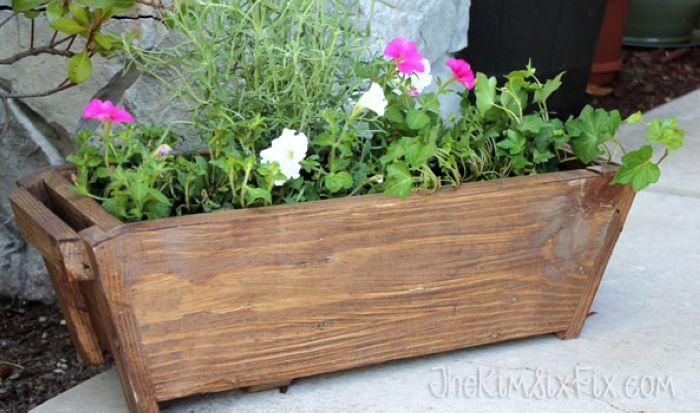 Simple window box planter and instructions