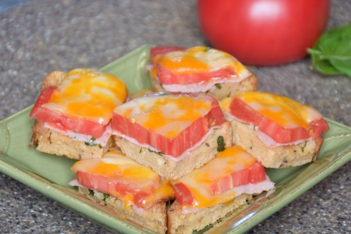 Simple summer tomato sandwiches that are amazing!