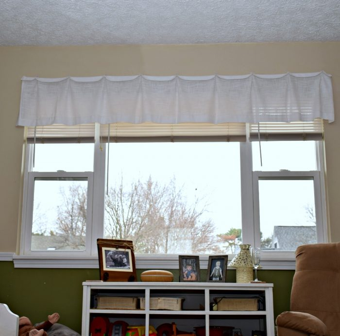 Easy diy valance made from a linen table runner!