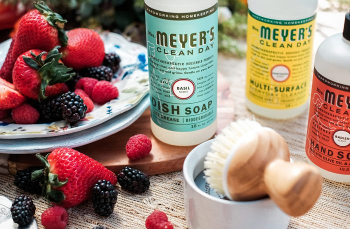 Free Summer Chef's Set with Mrs. Meyer's and Grove!